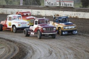 V8 Trucks PHOTO: Emma Bansemer