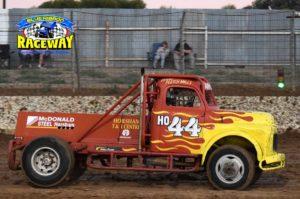 FLAMIN' FLETCH: Truck driver Fletcher Mills upset James' dominace by winning the third heat. PHOTO: M&L Speedway Photography