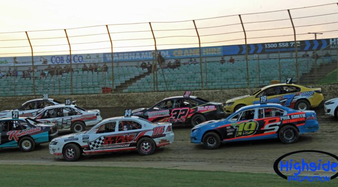 Modified Sedans Descend on Blue Ribbon Raceway